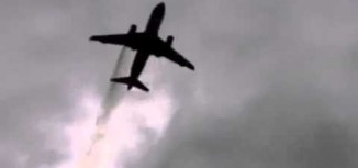 Videos – British Airways A319 Engine Fire Over London