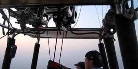 Video – Hot Air Balloon Ride Over Dubai Desert