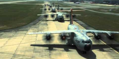 Video – Five A400M Formation Flight