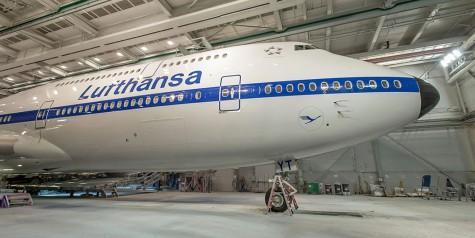 Pics – Lufthansa 747-8 Retro Livery