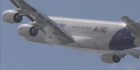 Beautiful Video – Airbus A380 Flight Display Paris 2011