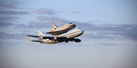 Best Shots of Last Space Shuttle Discovery Fly-By