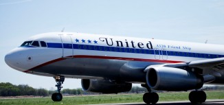 Photos – United Celebrates 85th Anniversary With Special Livery