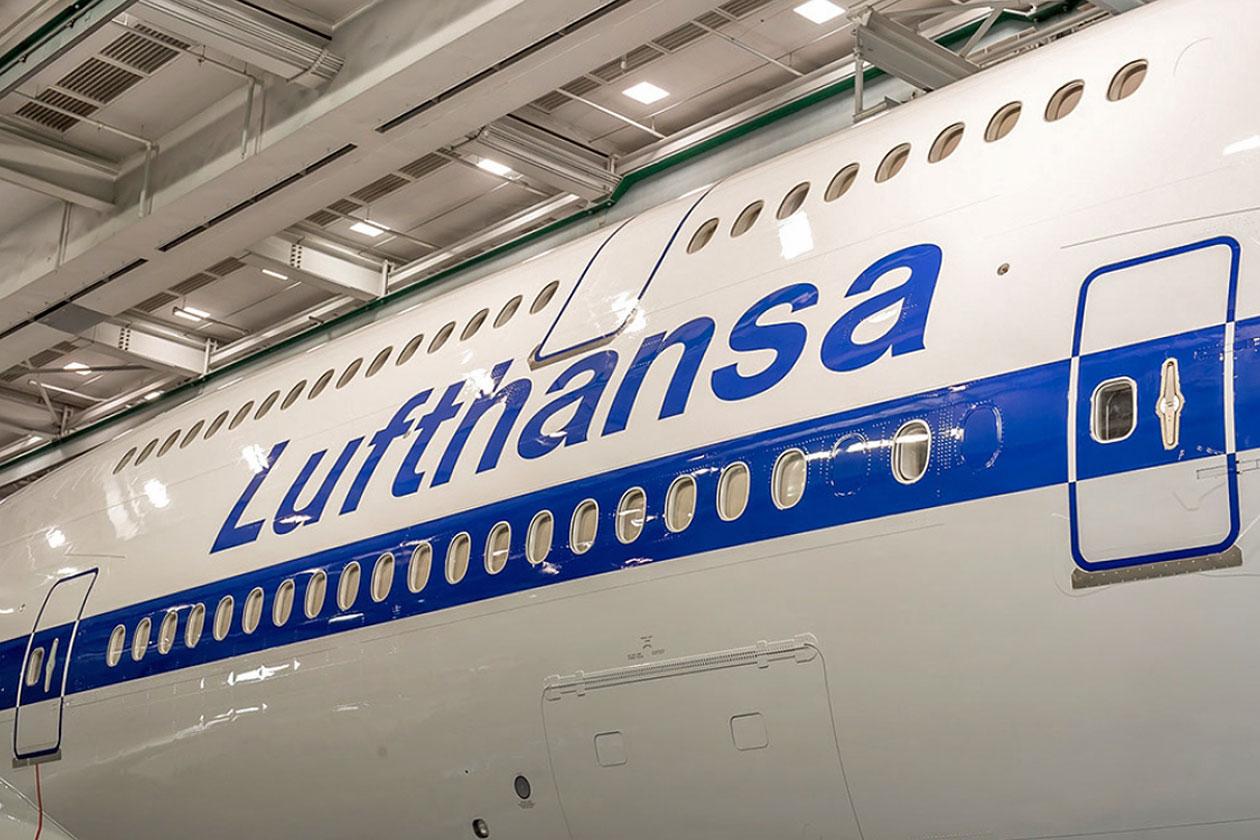 Lufthansa 747-8i retro