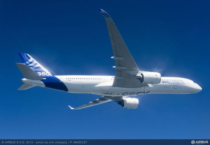 A350_XWB_air_to_air_first_flight2