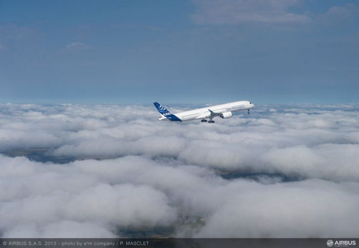 A350_XWB_air_to_air_first_flight_takeoff