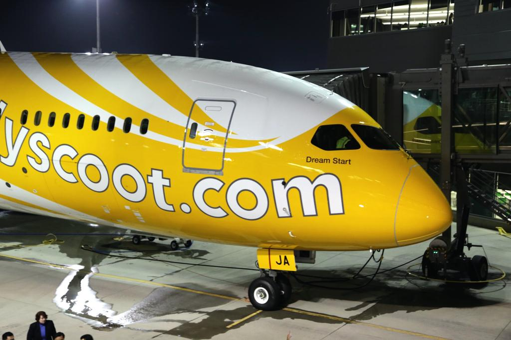 Scoot-Boeing-787-9-dream-start