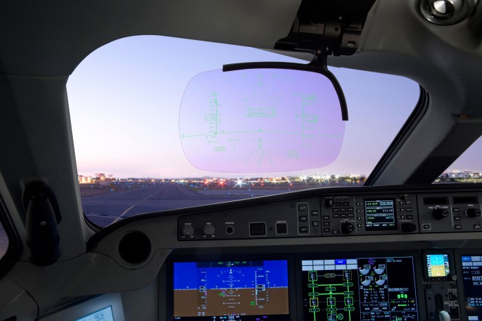 Bombardier CS Cockpit Heads Up Display (HUD)