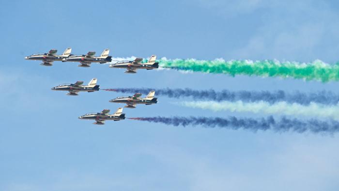 Dubai Airshow 2013 Skyview