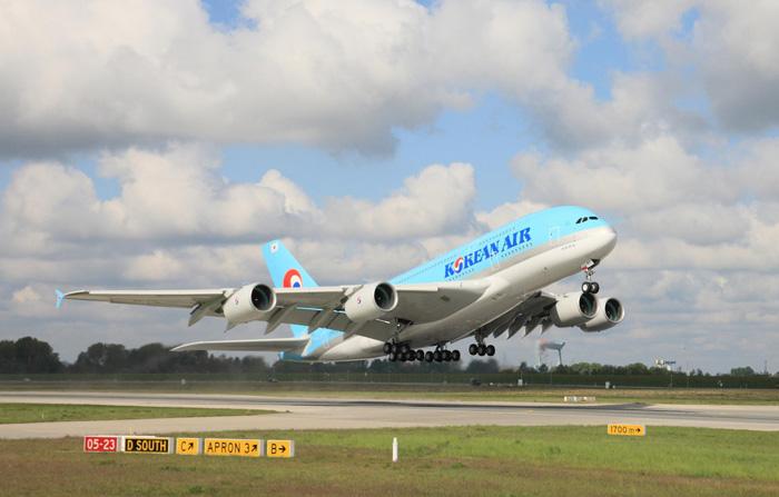 Korean Air First Airbus A380 Takes Off