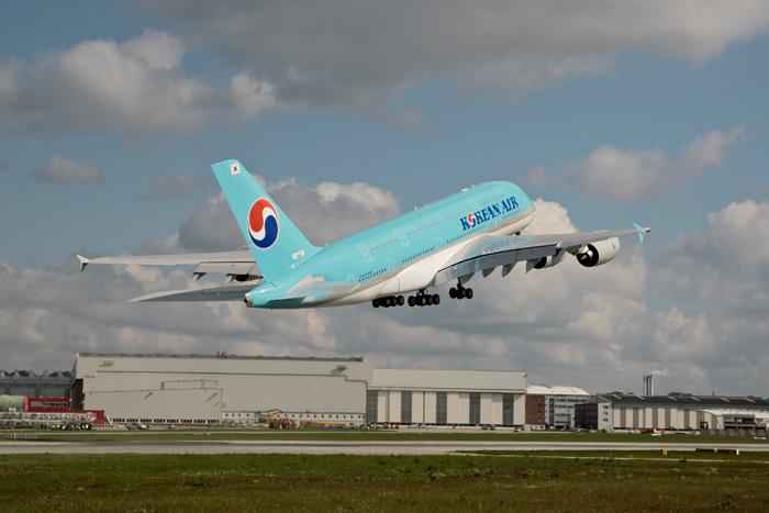 Korean Air First Airbus A380 Take-Off