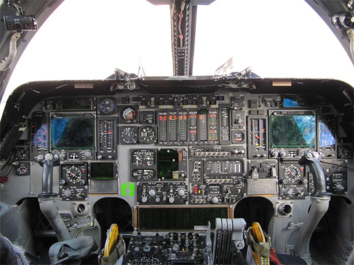 Rockwell (Boeing) B-1B Lancer Cockpit